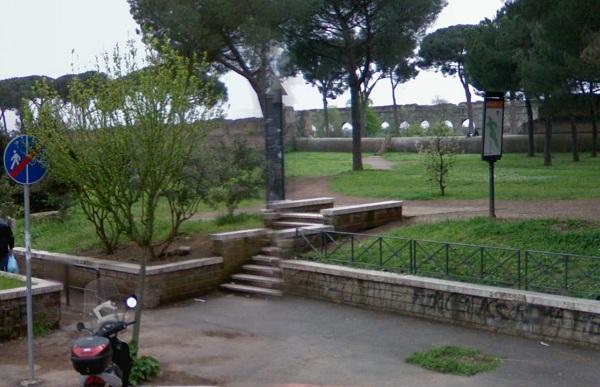 Marker 9 Aqueduct Park in Rome