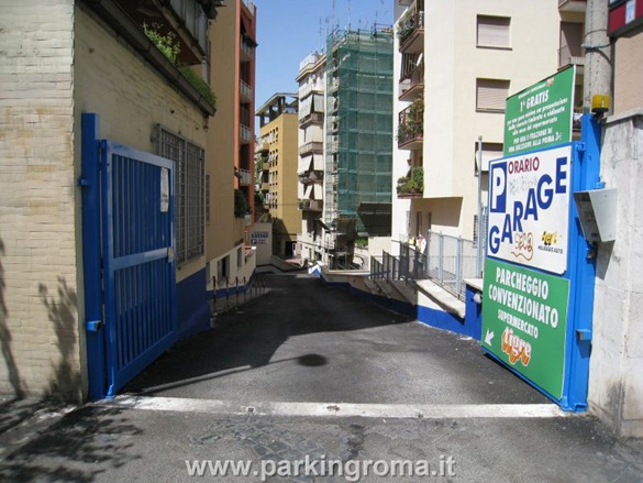 pVescovio1 thumb2 Parking in Rome!