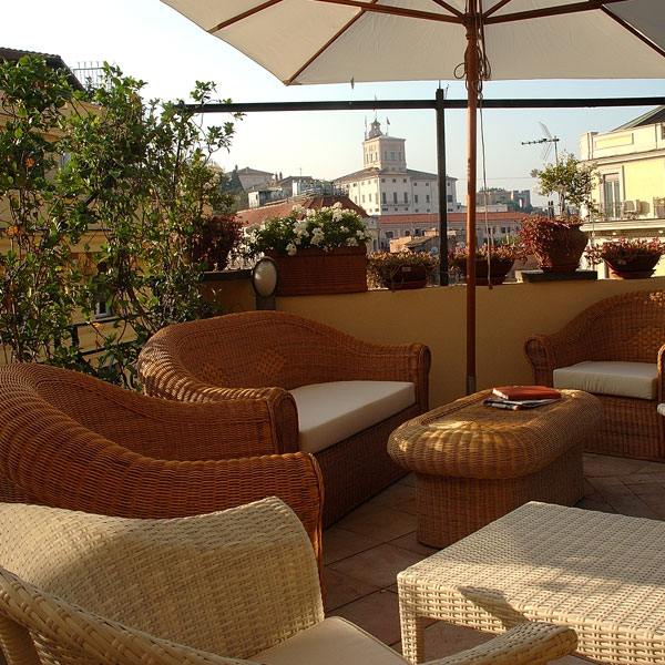 16 Roof Terrace at Hotel La Fenice Rome02 Rooftop Bars and Restaurants in Rome