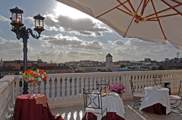 19 Hotel Veneto Rooftop Restaurant01 625x413 Rooftop Bars and Restaurants in Rome