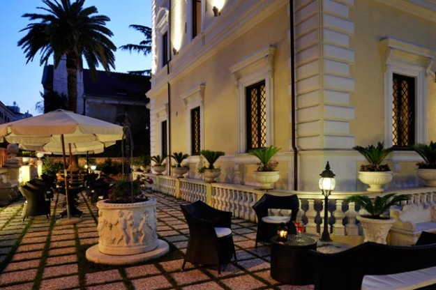 20 Roof Garden at Hotel Villa Pinciana01 625x416 Rooftop Bars and Restaurants in Rome
