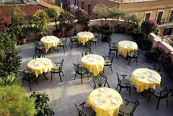 21 Panorama Room Restaurant01 Rooftop Bars and Restaurants in Rome