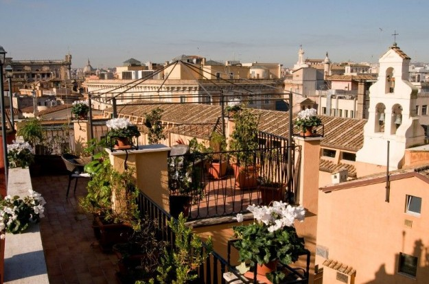 40Hotel Trevi01 625x414 Rooftop Bars and Restaurants in Rome