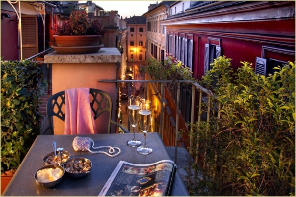 49 Hotel Regno01 600x400 Rooftop Bars and Restaurants in Rome