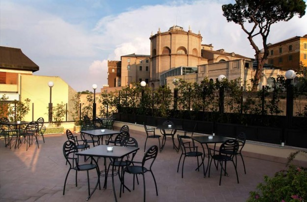 54 Hotel Alimandi01 625x411 Rooftop Bars and Restaurants in Rome