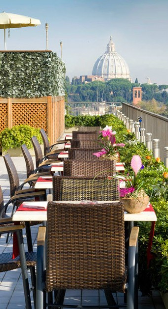 59 Rooftop Jacuzzi Bar at Cardinal Hotel01 340x625 Rooftop Bars and Restaurants in Rome