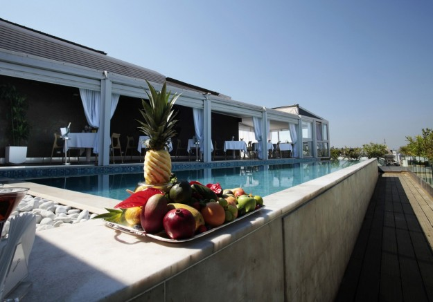 68 POSH Restaurant at Hotel Exedra02 625x437 Rooftop Bars and Restaurants in Rome