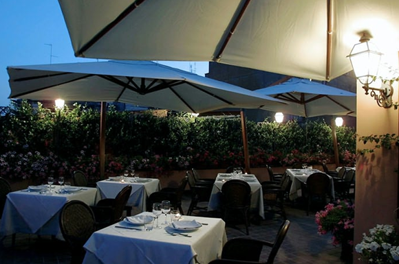 7 Tancredi Roof Garden02 Rooftop Bars and Restaurants in Rome