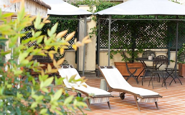 77 Sunroof Terrace of Hotel Rex01 600x374 Rooftop Bars and Restaurants in Rome