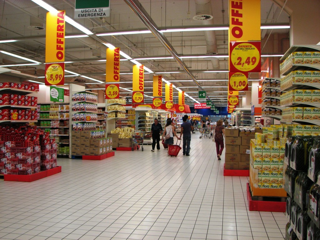 IMG 0321 Auchan 1 Main Hall 1024x768 Grocery Stores in Rome