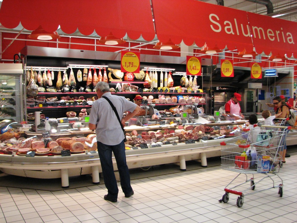 IMG 0323 Auchan 3 Meats 1024x768 Grocery Stores in Rome