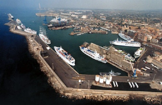 civitavecchia port - 500 p - upsized