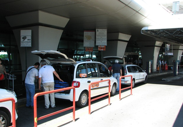 FCOtaxistand thumb Transportation Options From Fiumicino Airport (FCO) to the City of Rome