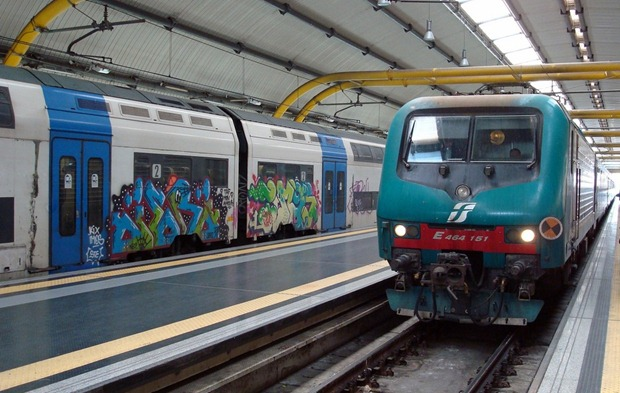 FR1andLeonardoExpressatFCO The FR1 Metropolitan Train <br>To and From the Fiumicino (FCO) Airport