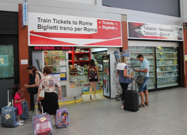 IMG 4438a FCO Tabacchi Shop 600x433 Leonardo Express – The Trenitalia Nonstop Train to the Fiumicino (FCO) Airport