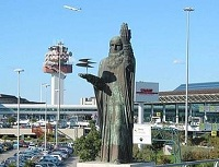 FCO Leonardo Statue Leonardo da Vinci Airport